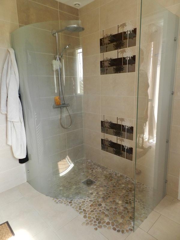 vente maison d 39 architecte verneuil vienne avec piscine. Black Bedroom Furniture Sets. Home Design Ideas